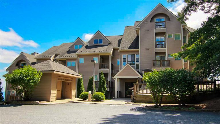 Wintergreen Condos offer turnkey, maintenance-free living in settings ranging from ski-slope-side to ridge top to alongside golf courses.